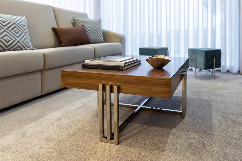mesa baixa de sala angela pinheiro